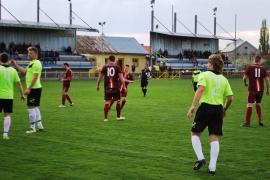 Trávnica sa drží na špici, 4 góly Romana Kovácsa. Prvé jarné body Mojzesova, posledný už Michal  -  VI. LIGA MEVA